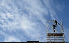 DSC_1951 (adrizufe) Tags: sky workers nikon ngc andamio bluesky cielo durango basquecountry trabajadores cieloazul durangaldea nikonstunninggallery aplusphoto d7000 adrizufe adrianzubia