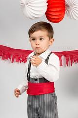 Qu viva la Feria de Abril! (Marah Mena) Tags: boy color canon kid sevilla rojo abril feria seville tradition nio mariahmena