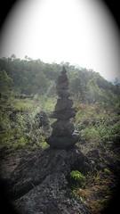 le cairn du Mont Batur  - 09 (Franois le jardinier de Marandon) Tags: bali cairn landart batur rockbalance indonsie franoisarnal