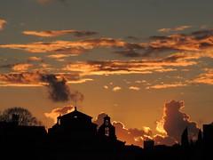 Tramonto romano (chiarafratocchi) Tags: sunset italy orange rome roma italia tramonto naranja foriimperiali arancione puestadelsol citteterna ciudadeterna