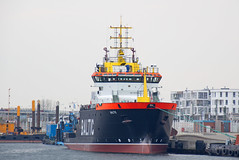 """Rostock-Warnemnde - Kleine Hafenrundfahrt, Hochseebergungsschlepper """"Baltic"""" (www.nbfotos.de) Tags: warnemnde ship baltic hafen hafenrundfahrt schiff rostock mecklenburgvorpommern schlepper hochseebergunsschlepper"""