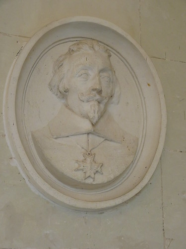 Chateau Chenonceau - the Gallery Richelieu medallion