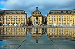 Bordeaux _ place de la Bourse (sergecos) Tags: city france reflection building fountain place bordeaux symmetry reflet difice fontaine ville symtrie miroirdeau hdrenfrancais