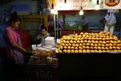 Bangkok, Thailand (Ryosuke Yagi) Tags: food fruits fruit thailand town bangkok thai fruitstand thaifood     thonglo