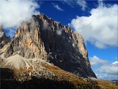 The Langkofel  - View from the Passo Sella (Ostseetroll) Tags: italien italy grden alps geotagged italia ita alpen dolomites sdtirol southtyrol dolomiten langkofel sassolungo trentinoaltoadige sellajoch geo:lat=4650864172 geo:lon=1176602746