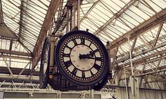 The clock at Waterloo Station (jonrtw2016) Tags: clock waterloo trainstation waterloostation centrallondon