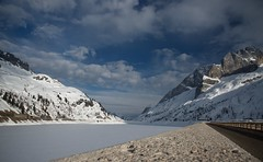 Passo Fedaia e lago (cerezo66) Tags: lago italia neve montagna trentino dolomiti ghiaccio fedaia