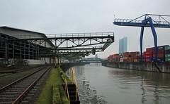 Osthafen. (universaldilletant) Tags: frankfurt container ecb ezb osthafen