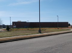 Straight on view of the east side wall (l_dawg2000) Tags: usa mississippi unitedstates supermarket ms marketplace grocerystore grocery kroger hernando 2000s 2015 milleniumkroger newkroger