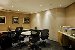 Meeting room with printer (A. Wee) Tags: china hongkong airport room united lounge meeting  airlines  hkg hkia  unitedclub