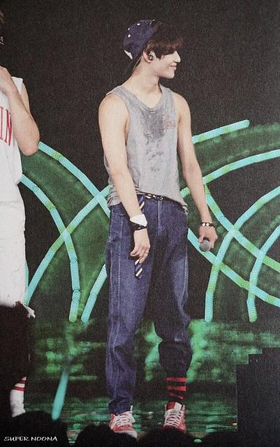 160421 SHINee @ Photobook SHINee World Concert IV 26611702682_7b9588c75d_z