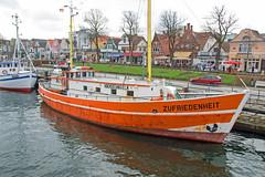 """Rostock-Warnemnde - Alter Strom, Kutter """"Zufriedenheit"""" (www.nbfotos.de) Tags: boot boat warnemnde ship schiff rostock mecklenburgvorpommern kutter zufriedenheit alterstrom"""