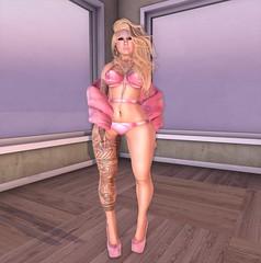 Sexy in pink (Sab Ganloso) Tags: truth glam affair reign erratic maitreya punci