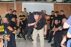 New Mexico National Guardsmen share immediate first aid techniques with Costa Rican law enforcement officials (nmngpao) Tags: newmexico earthquake costarica medical nationalguard emergency medic response firstaid policeofficer armynationalguard borderpolice fuerzapublica fronteras firstresponders guardacostas statepartnershipprogram exchangeofinformation