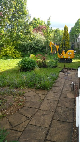 Landscape Gardening Wilmslow -  Decking Paving and Artificial Lawn Image 4