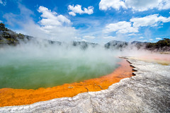 Hot Champaign (fresch-energy) Tags: newzealand sun sunlight hot color colors pool sunshine landscape volcano colorful rotorua champagne sony sunny champaign sonnig landschaft sonne farbe bunt waiotapu neuseeland farben a77 heis thermalwonderland vulkan sonnenschein champagnepool champagner sonnenlicht geothermie