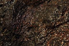 Wasser und Stein (01) (Rdiger Stehn) Tags: germany deutschland wasser europa makroaufnahme makro stein nahaufnahme schleswigholstein findling 2000s norddeutschland regenwasser 2016 granit mitteleuropa kronshagen 2000er canoneos550d