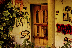 The nieghbours (df-stop.) Tags: old city urban house plant colour building abandoned overgrown canon design peeling flickr grafitti painted pillar ivy used greece macedonia thessaloniki locked timeless spiti electricmeter crackedpaint macedonian woodendoor makedonia characture northgreece dweling μακεδονια macedoniagreece worldcrisis eurocrisis dfstop palyia