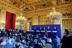 Secretary Kerry Addresses Reporters After an E4+1 Meeting at the Quai d'Orsay (U.S. Department of State) Tags: uk paris france eu johnkerry europeanunion quaidorsay frankwaltersteinmeier jeanmarcayrault paologentiloni federicamogherini philliphammond