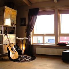 Ready for the first gig (Jan Egil Kristiansen) Tags: concert guitar faroeislands heima barstool nlsoy img2119 steintrrasmussen heimanlsoy2016 heimafestival evyanfinn