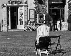 Invisible (stefanonikon1) Tags: street roma blackwhite nikon simo afs1755 d7000