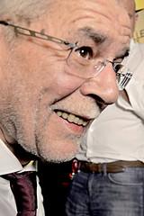 240416_640   #bpw16   1.Wahlgang am 24.April 2016 (the_apex_archive) Tags: sterreich apex grne hofburg wahlen wahl kandidaten vdb diegrnen kandidat abstimmung bundesprsident wahltag wahlabend vanderbellen hochrechnung prsidentschaftswahl alexandervanderbellen bundesprsidentschaftswahl palaisschnburg kandidiert 240416 bpwahl2016 kandidieren bpw16 bundesprsidentschaftswahl2016 24april2016 bpwahl16 2442016 prsidentschaftswahl2016 hofburgwahl