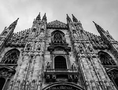 Duomo di Milano (ka191091) Tags: trip travel blackandwhite bw italy milan europe italia milano dome eurotrip duomo blacknwhite traveler contrapicada