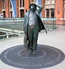 John Betjeman. (arthur_walley) Tags: london station railway railwaystation stpancras johnbetjeman