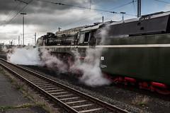 startbereit (ho4587@ymail.com) Tags: eisenbahn zug bahnhof sonne gleise hof damp fahrzeug rauch dampflok lokomotive qualm tamronsp2470mmf28divcusd