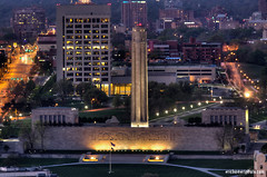 Liberty Memorial Kansas City (ericbowers) Tags: horizontal sunrise cityscape earlymorning scenic nopeople kansascity missouri highrises libertymemorial cityscene skyscapers locallandmark highangleview midwestusa elevatedview nationalworldwaronemuseum builtstructure