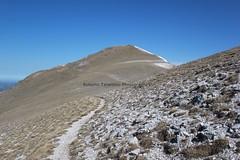 in vista di Cima Passo Cattivo (Roberto Tarantino EXPLORE THE MOUNTAINS!) Tags: 2000 natura neve montagna cima monti cresta passo sibillini cattivo altaquota vallinfante cannafusto