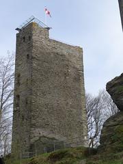 Oberreifenberg castle ruin (fchmksfkcb) Tags: castle germany deutschland hessen frankfurt botanicalgarden palmengarten taunus frankfurtammain burg frankfurtmain hesse ffm burgruine botanischergarten hessia castleruin oberreifenberg
