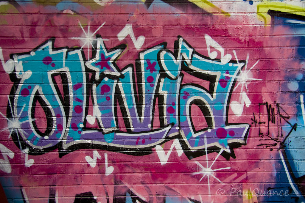 """Résultat de recherche d'images pour """"graffiti olivia"""""""