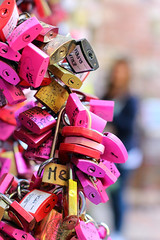 Lucchetti di Verona (../da) Tags: cadenas amoureux