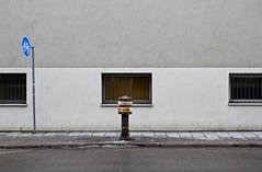 lonely rider (raumoberbayern) Tags: school sign wall hydrant munich mnchen wand schild schule radweg robbbilder urbanfragments