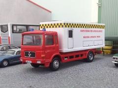 BATMAN begins (quicksilver coaches) Tags: man corgi model fireengine oo diecast 176 fireappliance code3 breathingapparatustender