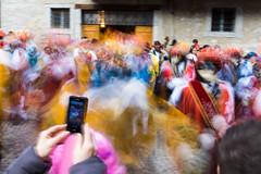Riprendiamoci il nostro Carnevale (drugodragodiego) Tags: italy music colors dancers pentax folklore carnevale lombardia k3 mosso bagolino vallesabbia provinciadibrescia smcpentaxda1224mmf4edalif pentaxda1224mm valledelcaffaro effettomosso pentaxiani carnevaledibagolino balarì pentaxk3
