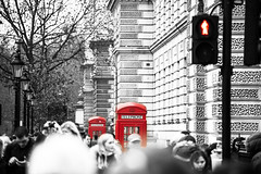 Corner. (arturii!) Tags: street city trip travel red people urban white black color london beauty wow walking photography amazing nice interesting holidays tour superb action bokeh box telephone awesome great pedestrian selection blurred tourists route londres stunning destination viatge intersection vacations impressive attractions gettyimages defocused arturii arturdebattk canonoes6d