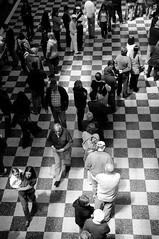 (eldopla) Tags: uruguay colorado gente montevideo elecciones voto uy diaria colas sanguinetti pablonogueira 20091025