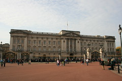 Buckingham Palace (Stu.G) Tags: city uk greatbritain england london canon eos october unitedkingdom britain united kingdom palace buckinghampalace 1855mm buckingham efs 27th 2015 capitalcity f3556 canonefs1855mmf3556 400d canoneos400d ukcapital october2015 271015 27102015 27oct15 27thoctober2015