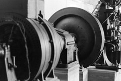 Una piccola centrale idroelettrica (sirio174 (anche su Lomography)) Tags: como turbina alternatore menaggio centraleidroelettrica giunto aziendatessile dinamoeccitatrice regolatorediwatt corrieredicomo espansionetv