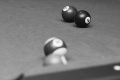 7 and 2 (Alvimann) Tags: camera 2 two blackandwhite white black blancoynegro blanco pool digital canon ball negro balls 7 games bolas taco seven bola canoneos camara gam canon550d canoneos550d alvimann