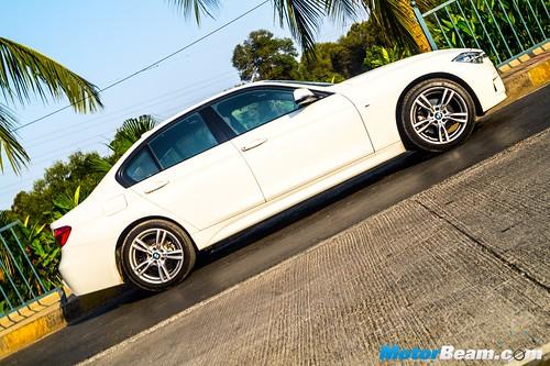 2016-BMW-3-Series-13