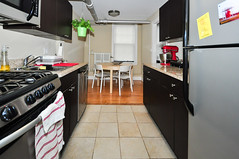 941.Chicago.GD.KI2 (BJBEvanston) Tags: kitchen horizontal furnished 941 941chicago 1gdn