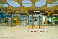 T4 Madrid-Barajas airport (antoniobraza) Tags: madrid airport terminal mad t4 terminal4 barajas richardrogers lemd antoniolamela