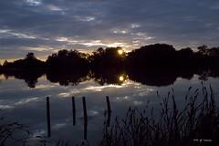 Matin nuageux, sur le lac de Plaisance (jpto_55) Tags: france eau fuji lac reflet fujifilm matin midipyrnes plaisancedutouch xe1 soleillevant fujixf1855mmf284r lacsoula