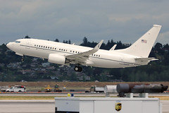 Bye Bye ANG CCMS (planephotoman) Tags: pdx boeing ang amc portlandor usaf 737 bbj 737700 kpdx portlandinternationalairport 20203 pdxaircraft 201as dcang pdxmilitary 61214 flyingoffice 7377cp 077a 113wg chiefmastersergeantjameswhotaling angccms