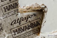 Reto LZete- Objetos favoritos- Alfajor (geral269) Tags: blanco dulcedeleche plateado merengue alfajor
