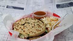 Pupusas La Cuscatleca Pupusa Truck (Tyrgyzistan) Tags: truck tacos elsalvador desmoines pupuseria pupusas centraliowa salvadoranfood iowafood trendyfoodtruck melsalvador east14thstdesmoines