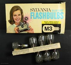 Sylvania M3 Flash Bulbs (01) (Hans Kerensky) Tags: blue canada polaroid flash dot bulbs m3 sylvania flashgun 268